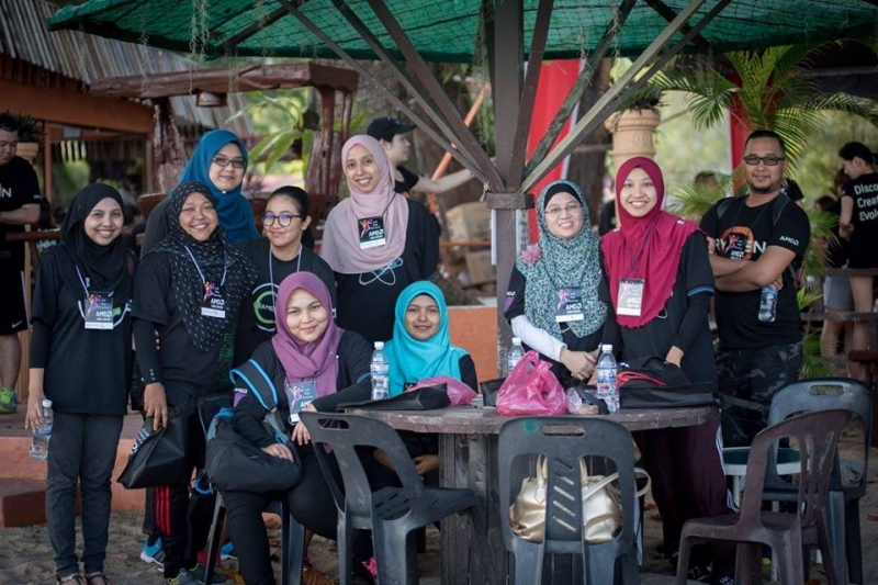 Halal Lunch Batu Ferringhi Beach Team Building