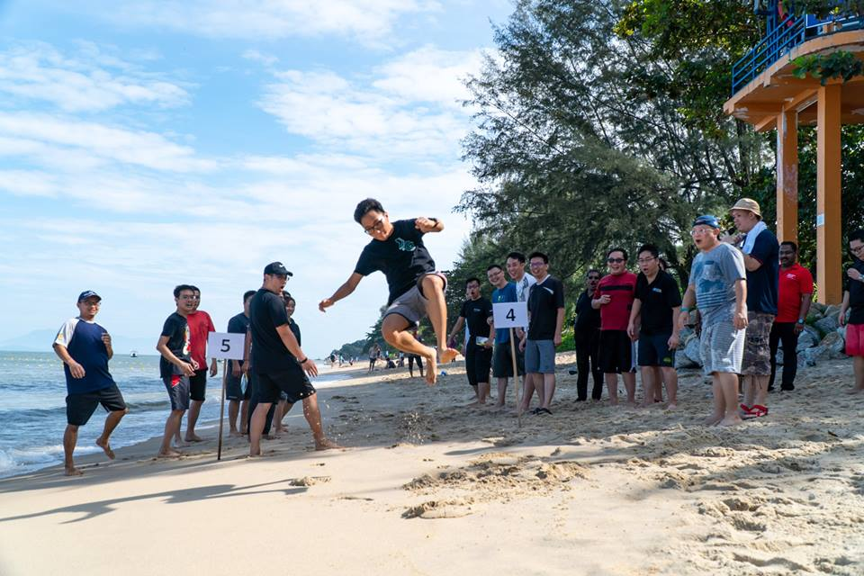 Beach Outdoor Team Building Activities